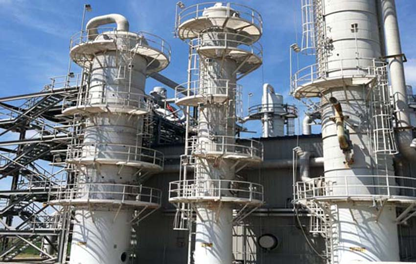 Painting Distillation Towers